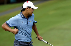Si Woo Kim with a birdie at 18 to cap off the victory at the Wyndham Championship. Photo credit to www.latimes.com